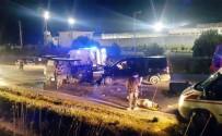 İki Minibüs Kafa Kafaya Çarpıştı Açıklaması 8 Yaralı