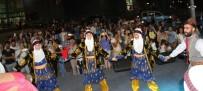 FOLKLOR GÖSTERİSİ - İzmir Enternasyonal Fuarı'nda Diyarbakır'a Tam Not