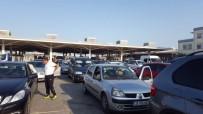 PAZARKULE - Kapıkule'de Türk İşçilerin Dönüş Yoğunluğu Devam Ediyor