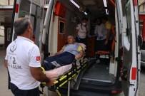 BOMBA İMHA UZMANI - Matbaa Malzemeleri Çöp Kamyonunda Patladı Açıklaması 2 Yaralı