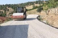 ÇAMKÖY - Selendi'de Bozulan Yollar Asfaltlanıyor