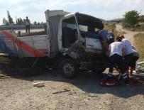 MUSTAFA KAYA - Tavşanlı'da Trafik Kazası Açıklaması 3 Yaralı