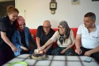 YAŞLI ÇİFT - 70'Lik Çift, Hayatlarında İlk Kez Doğum Günü Kutladı