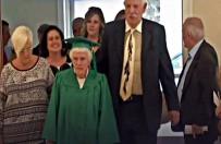 DIPLOMASı - ABD'de Bir Kadın 96 Yaşında Lise Diploması Aldı