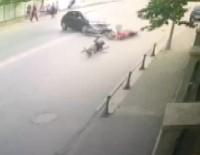 KURUÇEŞME - Beşiktaş'ta Yürekleri Ağza Getiren Kaza Kamerada