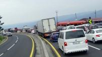 BOLU DAĞı - Bolu Dağı'nda Trafik Durdu