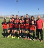 HÜSEYIN TÜRK - Döşemealtı Kadın Futbol Takımı 8 Takım Arasına Kaldı
