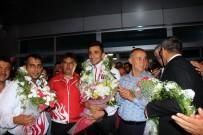 HASAN YıLDıZ - Dünya Şampiyonu Ali Doğan Memleketinde Mehterle Karşılandı