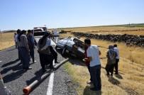 KARACADAĞ - Siverek'te Otomobil Takla Attı Açıklaması 3 Ağır Yaralı