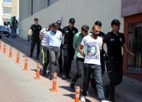 ALÜMİNYUM FOLYO - Uyuşturucu Taciri Adliyeye İsmi Esrar Markası Olan 'Bob Marley' Tişörtü İle Gitti