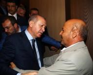 Erdoğan şehit binbaşının babası ile kucaklaştı