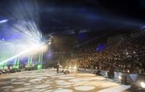 ŞARKICI - Ünlü Şarkıcı Filistin'de Konser Verdi