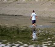 10 Yaşındaki Suriyeli Çocuk, Su Satarken Kanala Düşüp Boğuldu