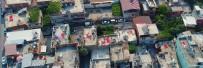 Adana'da Müstakil Evlerin Damları, Çekilmiş Biberler Nedeniyle Kırmızıya Boyandı