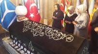 HALIL ELDEMIR - AK Parti Genel Başkan Yardımcısı Öznur Çalık Ertuğrul Gazi Türbesinde Dua Etti