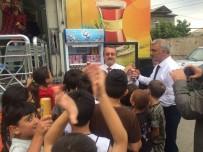 Bakü'de Türk Çayı İkram Edildi