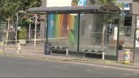 BOMBA İMHA UZMANI - Başkent'te Şüpheli Valiz Paniği
