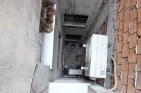 Camdan Sarkan Çocuk Apartman Boşluğuna Düştü