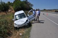 Düğün Yolunda Kaza Açıklaması 3 Yaralı