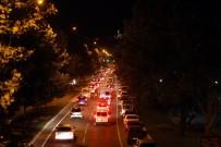 TRAFİK POLİSİ - Hafta Sonu Tatili Trafiği Felç Etti