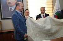 İÇİŞLERİ BAKANI - İçişleri Bakanı Soylu'ya Tiftik Battaniyesi Armağan Edildi