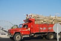KAMYON ŞOFÖRÜ - Kamyon Kasasında Tehlikeli Yolculuk