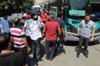 HALK OTOBÜSÜ - Otobüs Şoförünü Vuran Şahsı Linç Edilmekten Havaya Ateş Açan Polis Kurtardı