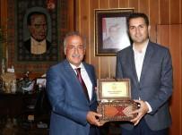 REKTÖR - Tokat Belediye Başkanı Eroğlu, Rektör Çomaklı'yı Ziyaret Etti