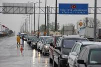 PAZARKULE - Akın Akın Dönüyorlar Açıklaması Kuyruk 4 Kilometre