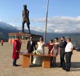 ÇORUH - Dünyanın En Büyük Atatürk Heykelinin Önünde Nikah Kıydılar