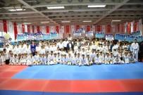 KURAN-ı KERIM - Gençlik Merkezinden Mezun Olan Sporcular Gösteri Düzenledi