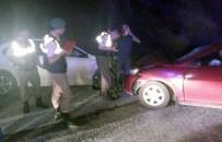 ŞERİT İHLALİ - İki Otomobil Çarpıştı Açıklaması 9 Yaralı