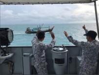 SAVAŞ GEMİSİ - Kayıp ABD'li Denizcilerden Bazılarının Cesedine Ulaşıldı