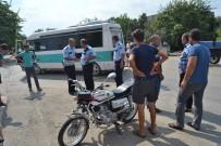 SAĞLIK OCAĞI - Kozan'da Dolmuş İle Motosiklet Çarpıştı Açıklaması 1 Ölü