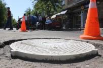 RÖGAR KAPAĞI - Rögar Kapağı Hırsızlarına Karşı 50 Tona Dayanıklı Plastik Kapaklı Önlem