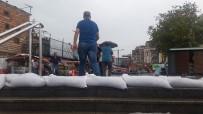 METEOROLOJI - Şiddetli Yağmur İçin Alt Geçitlerde Kum Torbalı Önlem