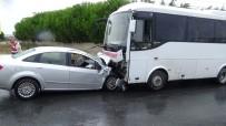 İŞÇİ SERVİSİ - Silivri Kavaklı'da İşçi Servisi İle Otomobil Çarpıştı Açıklaması 1 Ölü 6 Yaralı