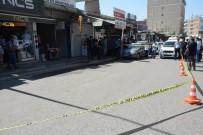 SİLAHLI KAVGA - Siverek'te Silahlı Kavga Açıklaması 1 Ölü, 2 Yaralı