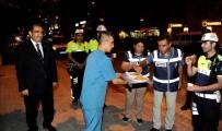 SALIM DEMIR - Vali Demir'den Huzur Uygulamasına Katılan Polislere Tatlı İkramı