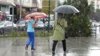 METEOROLOJI - Yağmur Çorlu'yu Serinletti Caddeleri Boşalttı