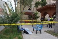 TAŞKıRAN - Yaşlı Adam Cami Avlusunda Ölü Bulundu