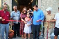 EBRU SANATı - 3 Yaşında Ebru İle Tanıştı, 9 Yaşında Sergi Açtı