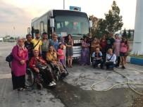BEDENSEL ENGELLILER - Başkan Alıcık'tan Geziye Gidecek Engellilere Araç Desteği