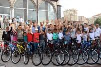 UĞUR İBRAHIM ALTAY - Camiye Giden Bin 800 Çocuğa Bisiklet