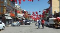 BAŞAKŞEHİR BELEDİYESİ - Cumhurbaşkanı Erdoğan İçin İlçe Bayraklarla Süslendi