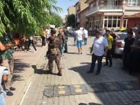 EDİRNE VALİLİĞİ - Edirne'de Mahalle Halkı Ayaklandı, Özel Harekat Sokağa İndi