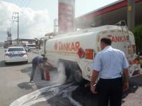 POLİS ARACI - Freni Patlayan Yakıt Yüklü Tanker, 40 Kilometre Sonra Durabildi