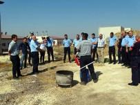 İTFAİYE MÜDÜRÜ - İtfaiye Müdürlüğü Cezaevi Personeline Yangın Eğitimi Verdi