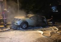 BEŞİKTAŞ - Kağıthane'de Park Halindeki Lüks Otomobil Kundaklandı