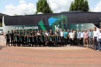 KOCAELISPOR - Kocaelispor Yeni Takım Otobüsünü Teslim Aldı